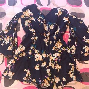 Seek The Label LF Floral Long Sleeve Romper S